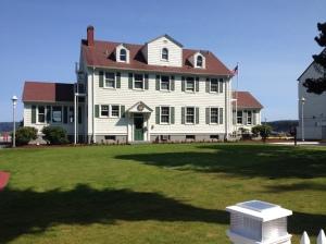 """Coastguard town"" - nice CG house, historical grounds"